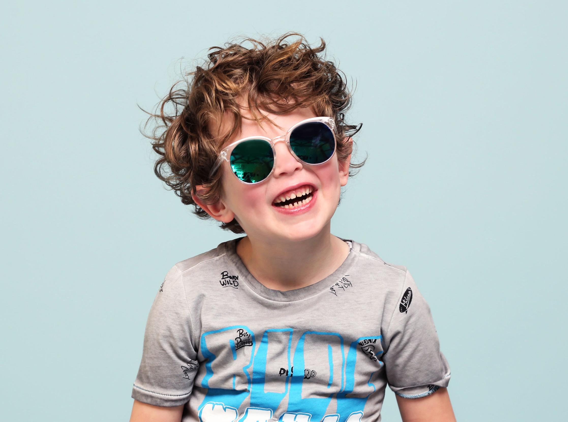 Gratis zonnebril bij aankoop van Shoesme sandalen